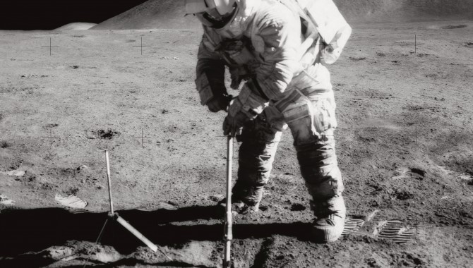 Teaching Geology  to Apollo Astronauts