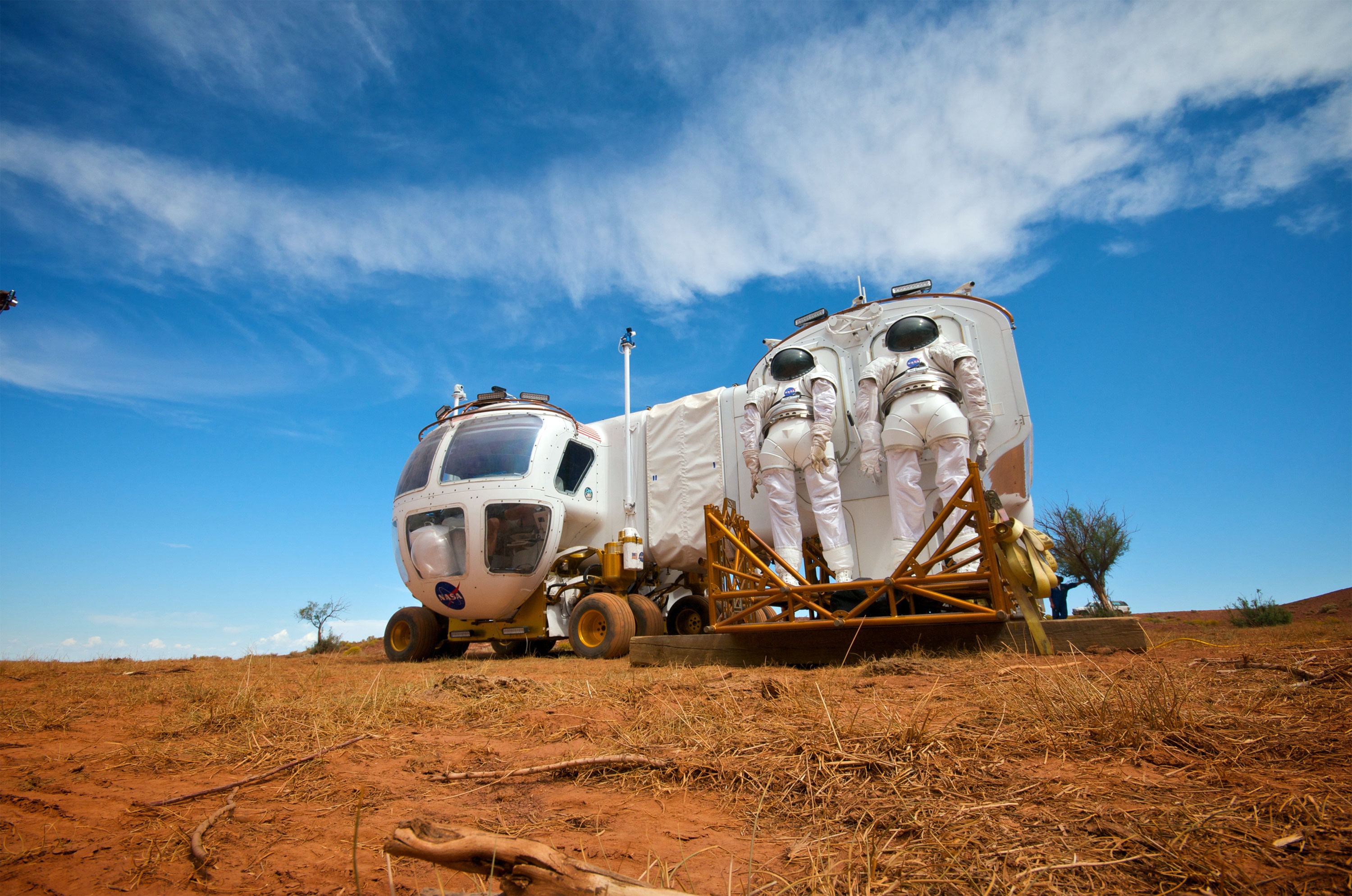 astronaut traveling space vehicle - photo #43