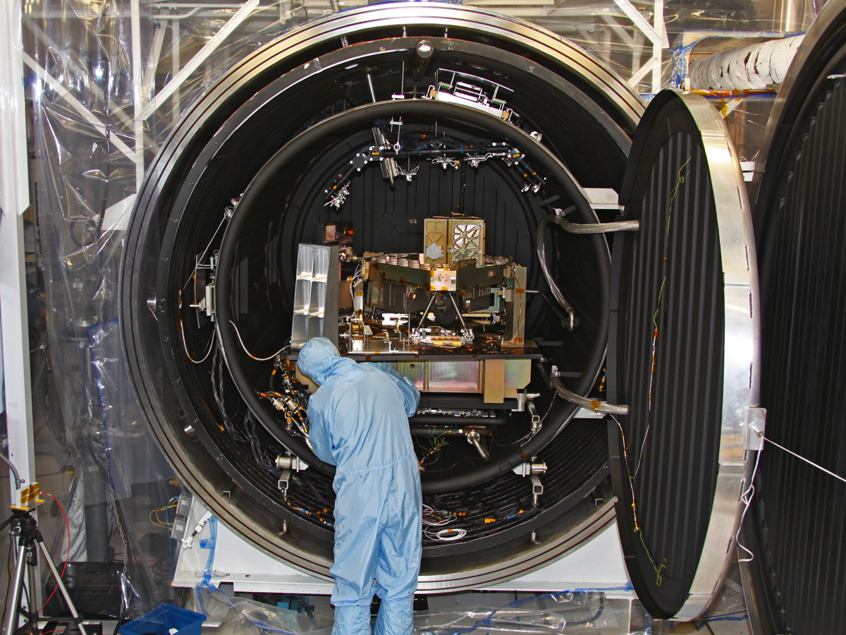 A technician prepares the Canadian-built fine-guidance sensor's engineering test unit for cryogenic testing at the Canadian Space Agency's David Florida Lab in Ottawa.