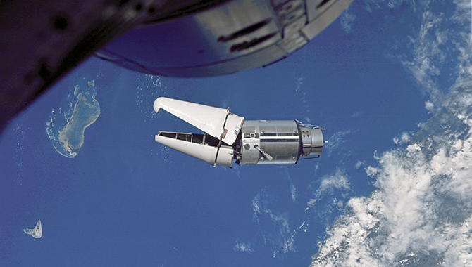 A primary mission objective for Gemini IX-A was to dock with the Augmented Target Docking Adapter (ATDA). During the ATDA launch, however, its payload fairing failed to separately completely, which blocked the docking port. According to astronaut Stafford, the half-open jaws of the ATDA's un-jettisoned shroud looked like an angry alligator. Photo Credit: NASA