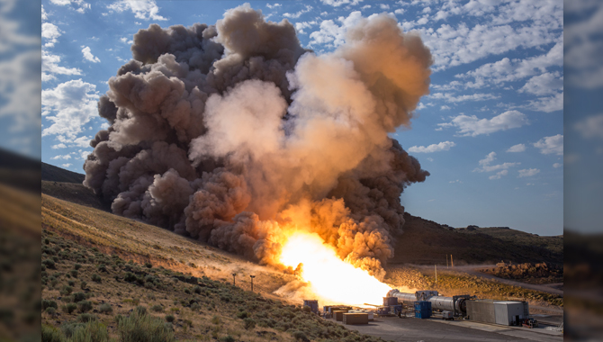 The SLS solid rocket motor burned successfully for two minutes during its final full-scale ground test, which examined performance at the low end of its propellant temperature range. Photo Credit: NASA/Bill Ingalls