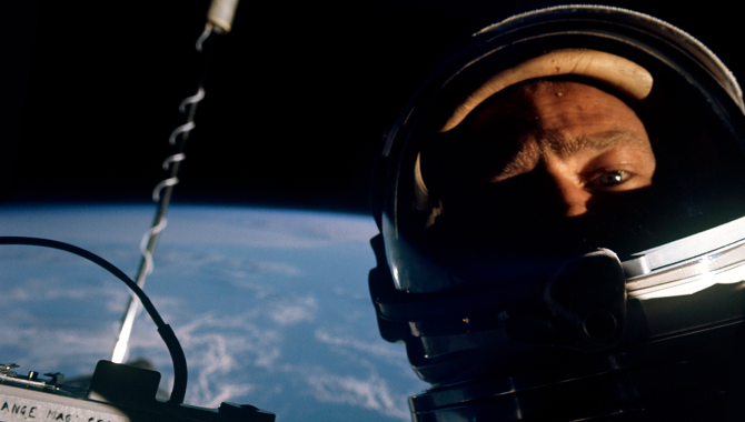 This Month in NASA History: Gemini XII Made a Spacewalk Look Like a Cakewalk
