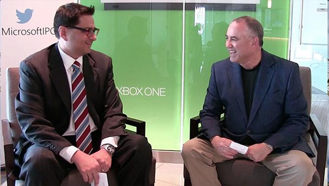 Microsoft's Javier Vasquez, left, interviews JPL's David Oberhettinger. Image Credit: NASA