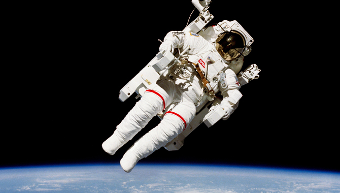 Astronaut Bruce McCandless II on the first untethered spacewalk as part of STS-41-B. Credit: NASA