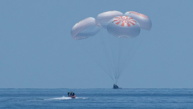 The SpaceX Crew Dragon splashes down in the Gulf of Mexico off the coast of Pensacola, Florida, Sunday, Aug. 2, 2020. Credit: NASA/Bill Ingalls