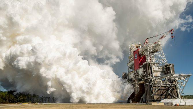 SLS Core Stage Blazes Through Hot Fire Test